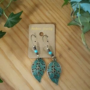 Jewelry - Leaf Filigree Earrings